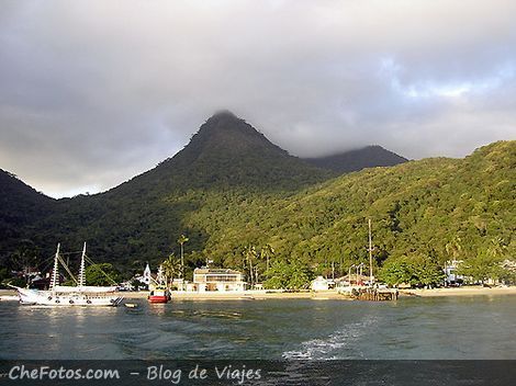 Partiendo de Isla Grande en Barca