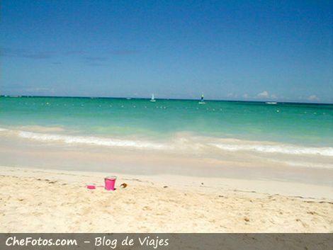 Abandonado en la playa de Punta Cana