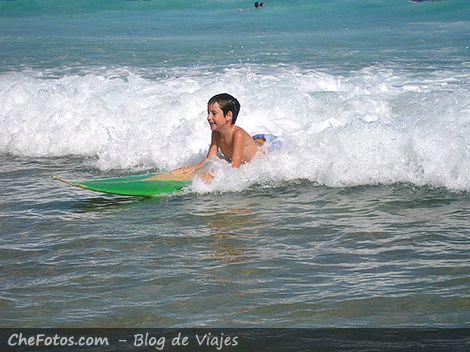 Barrenando la ola, primer paso del surf