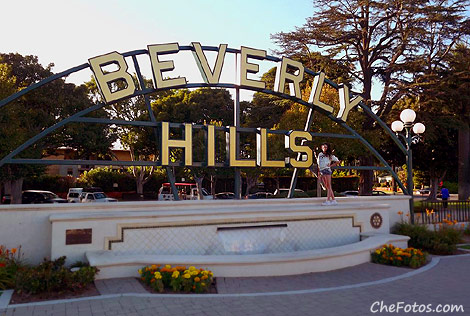 Cartel de Beverly Hills