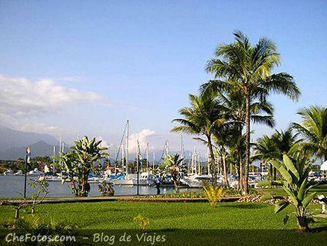Bracuhy, marinas y condominios