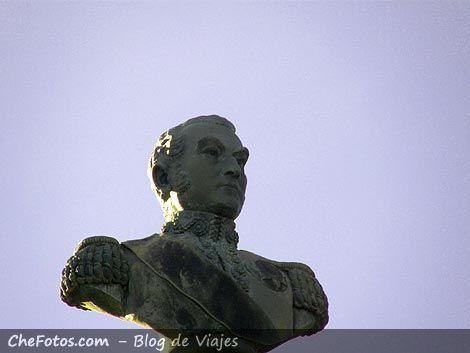 Busto Monumento General San Martín