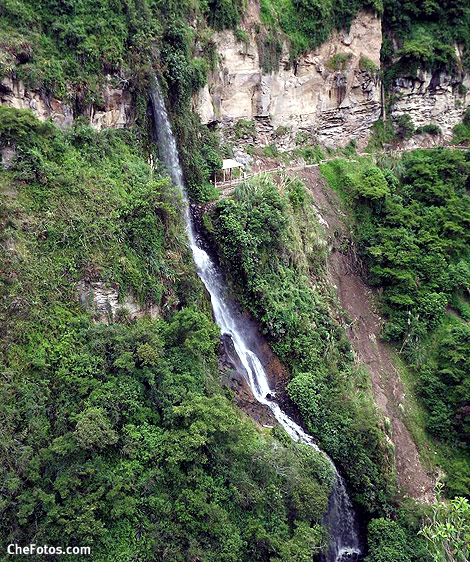 cascada-santuario-las-lajas