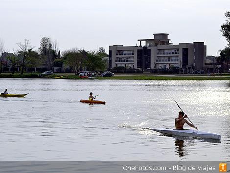 Kayakismo en el lago de Villa María 2