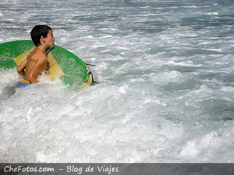 Lo más difícil del surf, pasar la rompiente