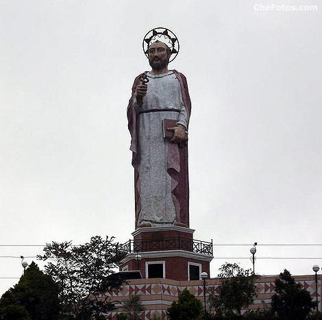 estatua-san-pedro-alausi