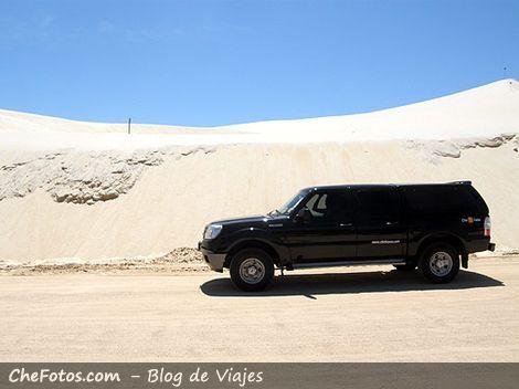 Ford Ranger recorriendo las dunas