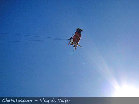 Caída libre desde Base Jumping en Tigre