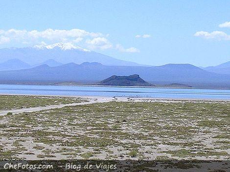 Cielo, montaña, agua y desierto