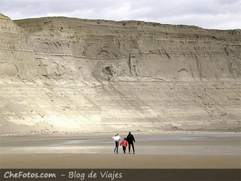 Playa desierta del sur argentino