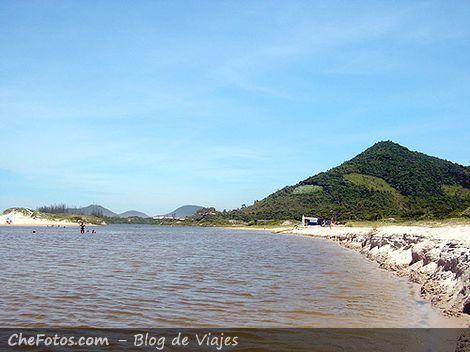 Río Praia do Siriú, Garopaba, Brasil