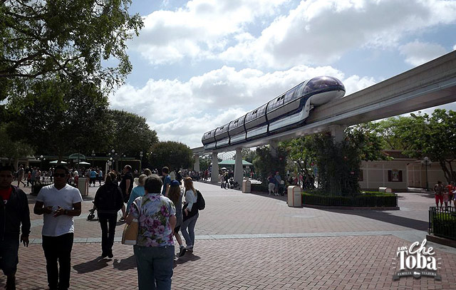 disneyland-monorail