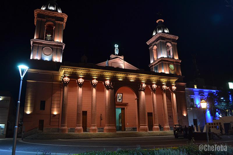 cata-iglesia-noche