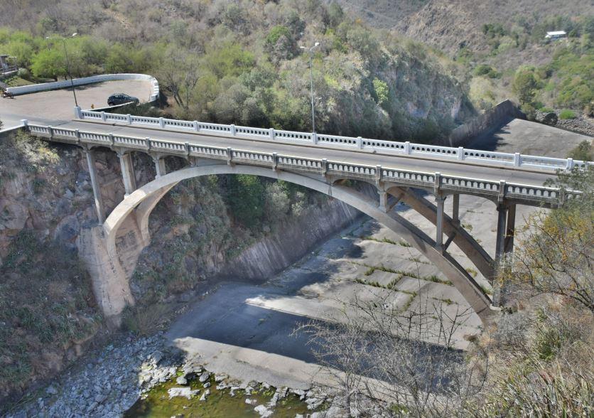 Puente de Embalse Rio III