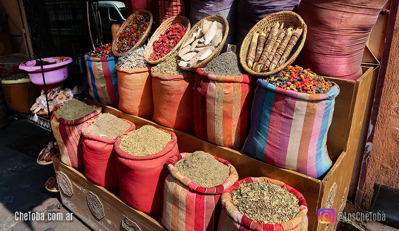 mercado de especias en la plaza de Marrakesh
