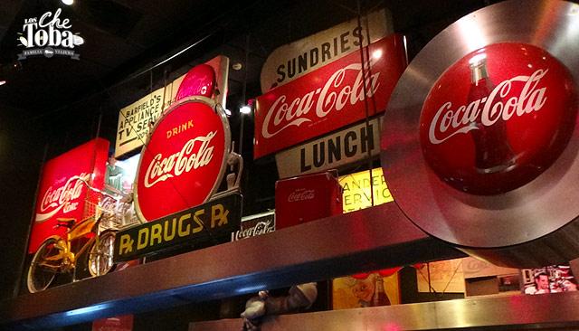 Carteles antiguos de Coca Cola