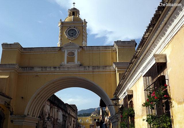 Arco Reloj Antigua Guatemala
