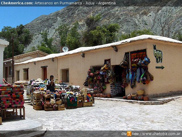 Artesanías a la venta en Purmamarca