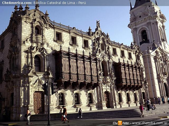 Lateral Basílica Catedral de Lima