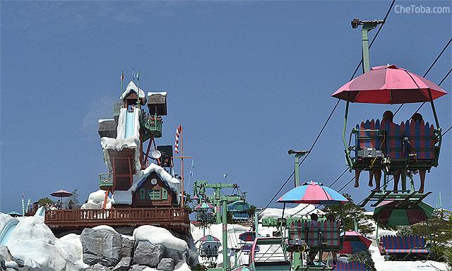 Blyzzard Beach está ambientado como un centro de sky con aerosilla incluída
