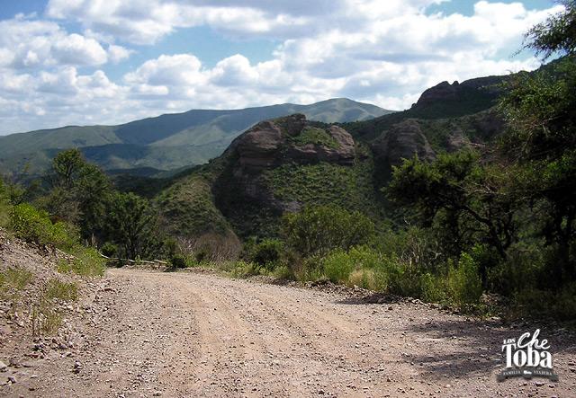Camino de acceso a Los Terrones