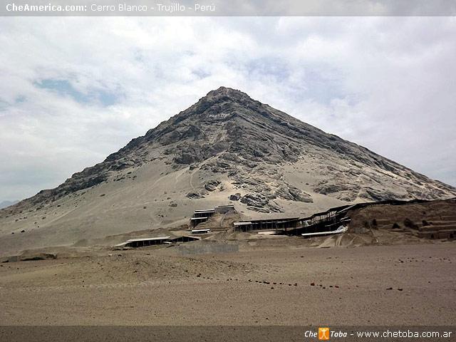 Huacas del Sol y La Luna, Trujillo, Perú 3