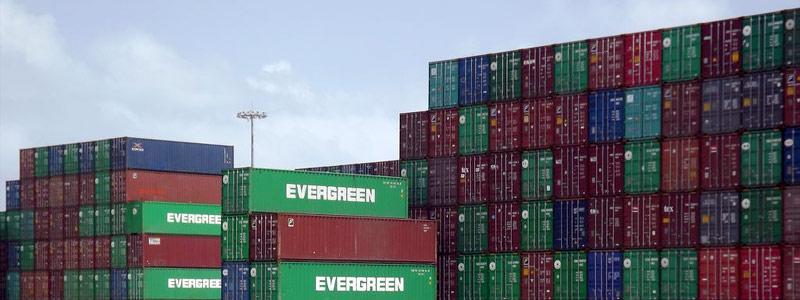 contenedores-en-puerto