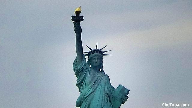 Foto Estatua de la Libertad de frente