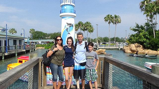 familia-viajera-sea-world-o