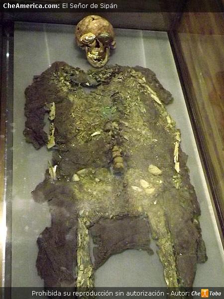 Foto restos de El Señor de Sipán