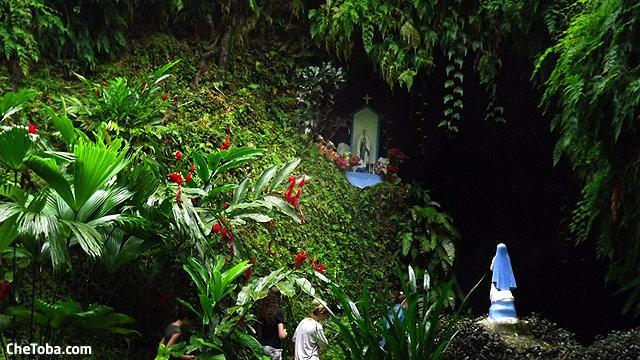 gruta-virgen-estatua