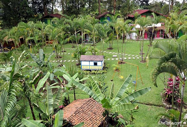 Vista jardines hotel Kalarká - Quindío, Colombia