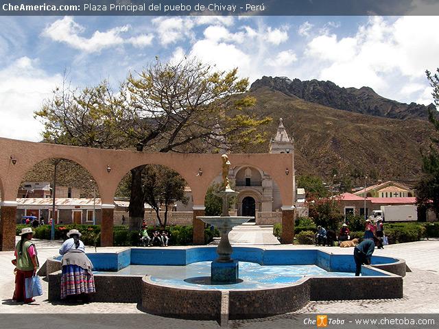 Plaza Principal de Chivay - Perú