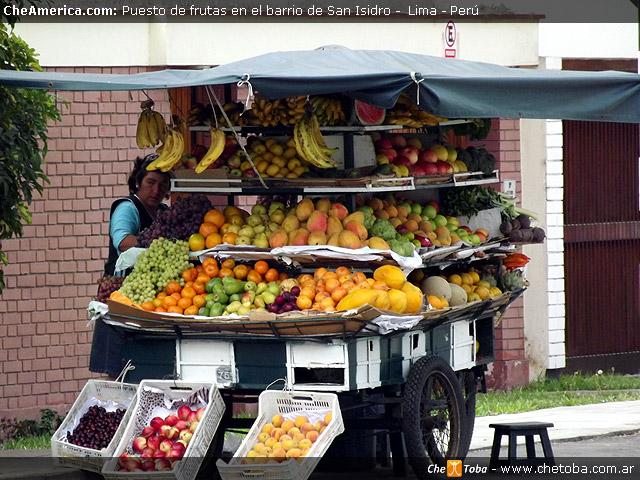 Puesto de frutas en San Isidro