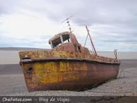 Viejo Barco varado en Río Gallegos
