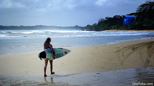 surfer-girl-walk