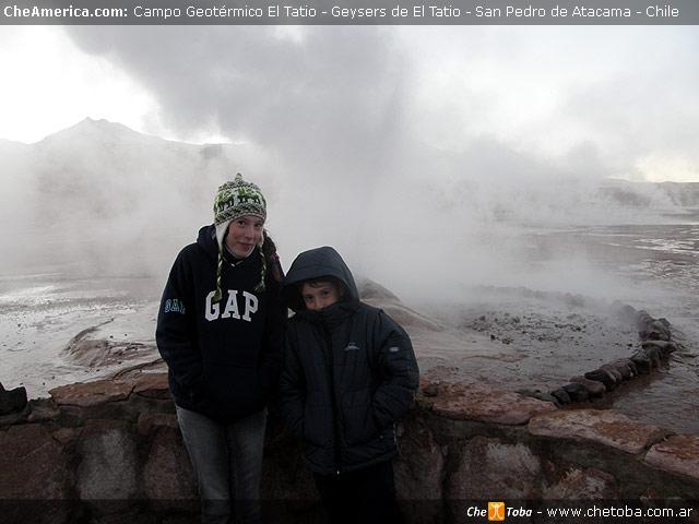 Los chicos en los geysers