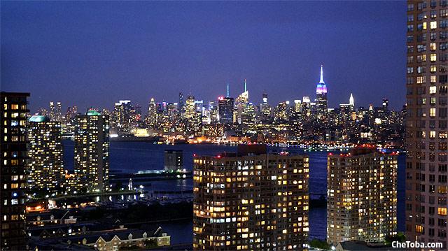 Vista Manhattan Dharma Suites