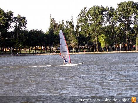 Kayakismo en el lago de Villa María 3